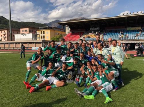 Palmeiras é campeão invicto de mais um torneio de base na Europa