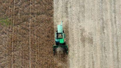 Farm bill passes despite Trump's food stamp ask