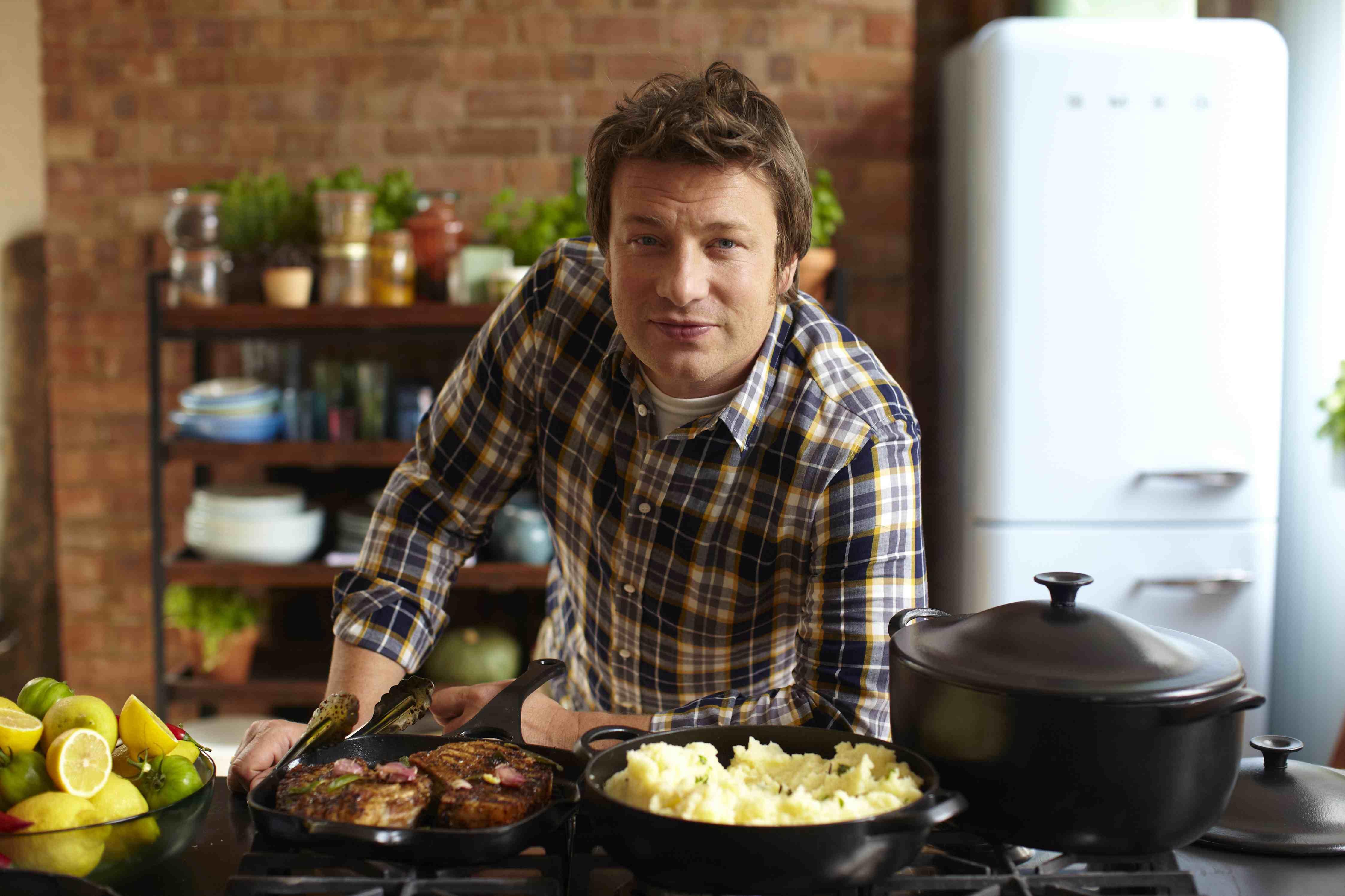 傑米奧利佛(Jamie Oliver)傳出債台高築,所居住的豪宅與經營的餐廳都面臨財務重新整頓。(圖/Beautifulkitchensblog)