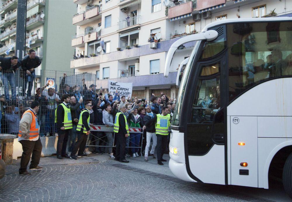 Napoli-Juventus, secondo round: percorso segreto per il pullman bianconero