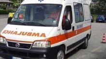 Anziano cade dal balcone sotto gli occhi dei nipotini: è deceduto
