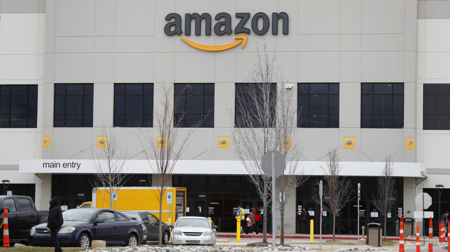 Canada signs deal with Amazon to distribute medical supplies
