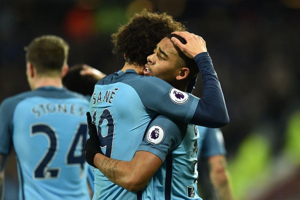 """Manchester City, Fernandinho : """"Être patient avec le retour de Gabriel Jesus"""""""