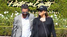 Captan a Eva Longoria preciosa a semanas de que nazca su bebé, con su marido consentidor
