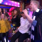 'Rent' stars Tracie Thoms and Anthony Rapp surprise a choir teacher with 'Seasons of Love'