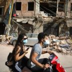 Beirut explosion – latest news: Search for survivors continues as death toll reaches 135 and Macron to arrive in Lebanon
