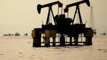 Oil hits multi-week lows as OPEC and Russia look to raise output
