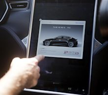 Tesla Rolls Out HW2 Autopilot Update To All Eligible Cars