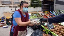 Coronavirus: Food and drink retailers buck consumer spending slump