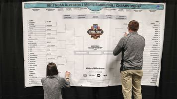 One perfect bracket remains on Yahoo