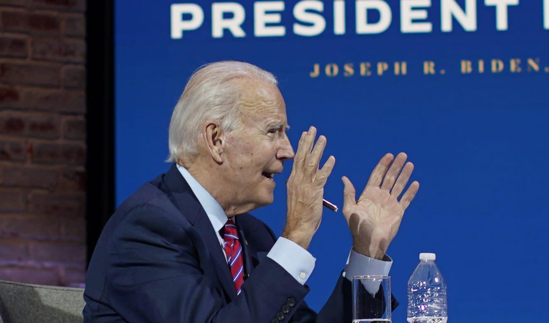 Joe Biden Makes An Unexpected Style Choice With Fun Dog Print Socks For Meeting Who's your daddy, do princípio, é uma piada de mau gosto. joe biden makes an unexpected style