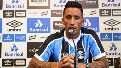 De portas fechadas, Grêmio realiza último treino para partida contra Veranópolis