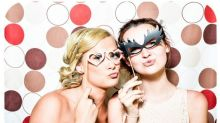This bride has banned her bridesmaid from wearing glasses at her wedding and the Internet isn't happy about it