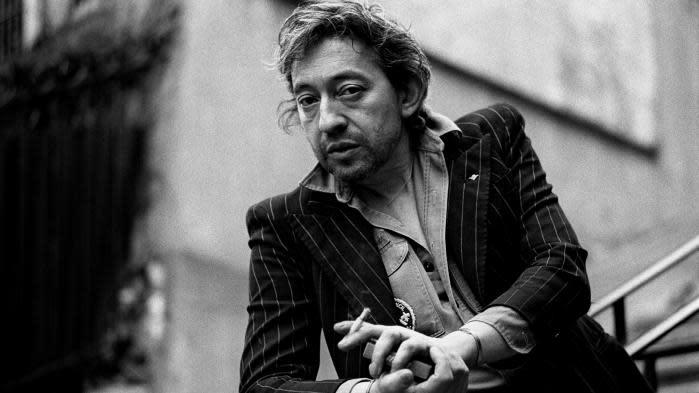 """30 ans de la mort de Serge Gainsbourg : sa """"carrière posthume a continué à le faire grandir"""" analyse Bertrand Dicale"""