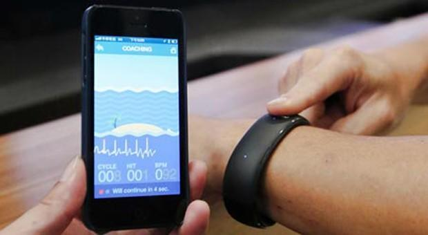 Foxconn demos iPhone-friendly smartwatch with health sensors