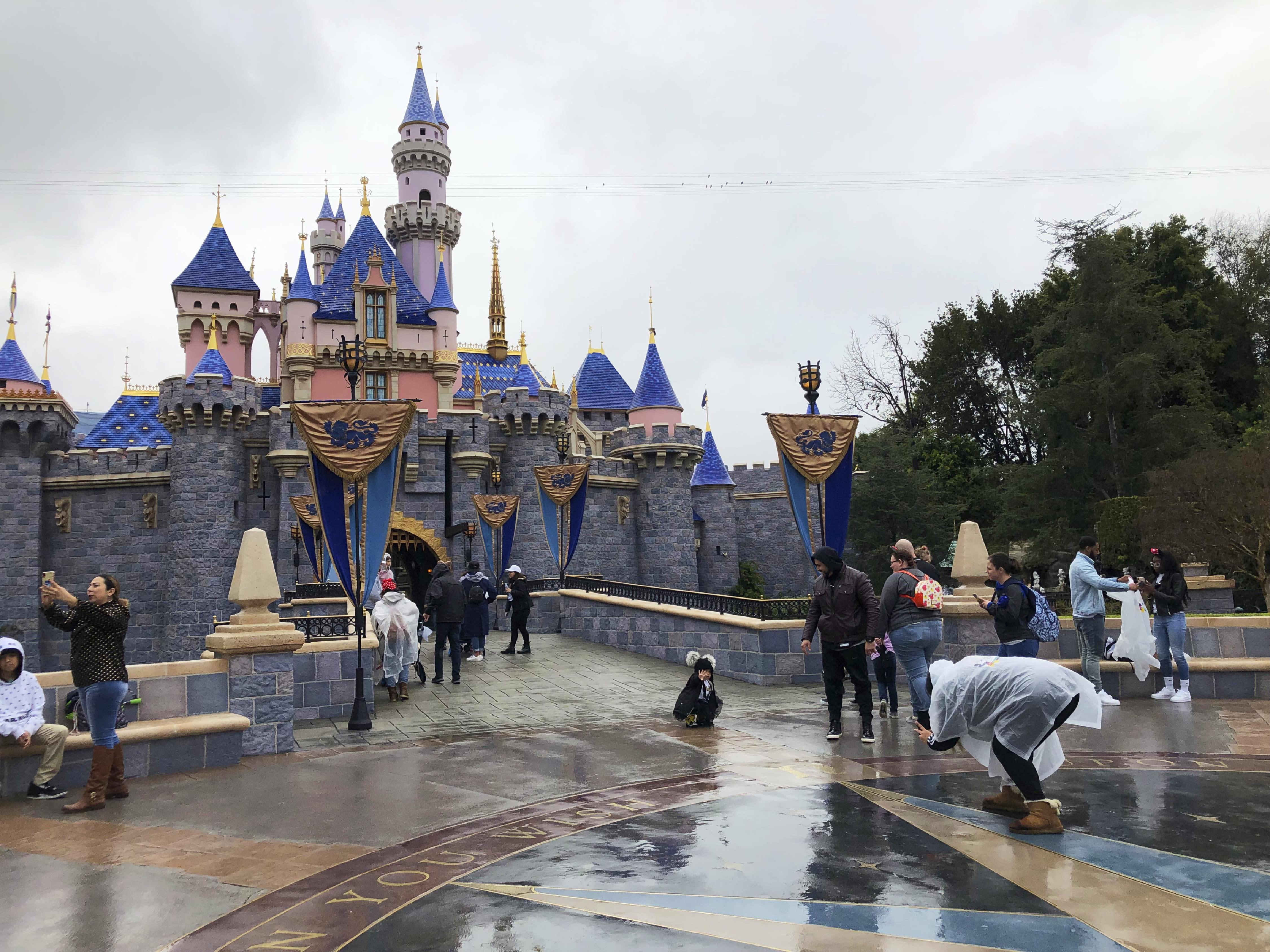 CA Virus Outbreak California Theme Parks
