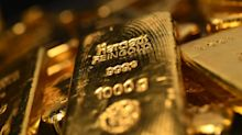 Gold Rips Up Record Book as $2,000 Test Looms in Hunt for Haven