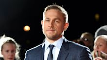 "3 Beweise: Darum ist Charlie Hunnam ""Male Star of the Year"""