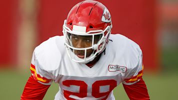 Chiefs get Berry big boost for AFC title game