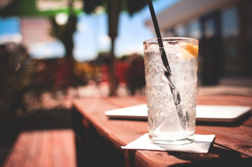 How much you pay for drinks could depend on your heel height? [Photo: picjumbo.com via Pexels]