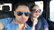Larry Hernández acaricia a su pareja y provoca indignación