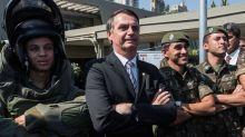 Bolsonaro quiere cambiar lo que dicen los manuales escolares sobre la dictadura militar
