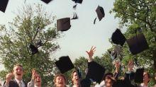 Grandes écoles: les jeunes diplômés partent de moins en moins travailler à l'étranger