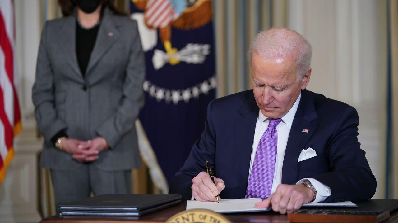 Texas judge temporarily halts Biden's 100-day deportation freeze