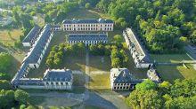À Fontainebleau, un campus d'art dans l'écurie royale