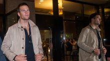 Tom Brady rasga calça durante partida de golfe e arrecada R$ 550 mil em única tacada