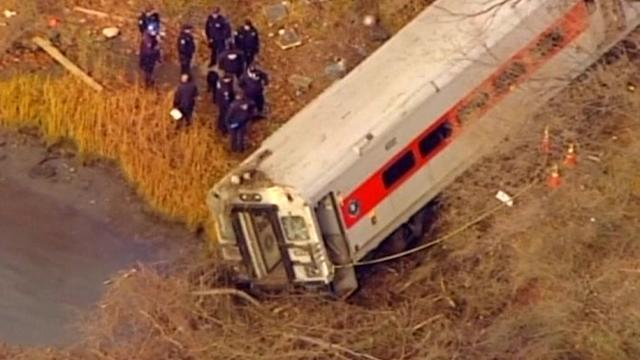 New York train derails, killing four and injuring 63