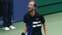 Daniil Medvedev battles past injury scare to reach US Open semi-finals