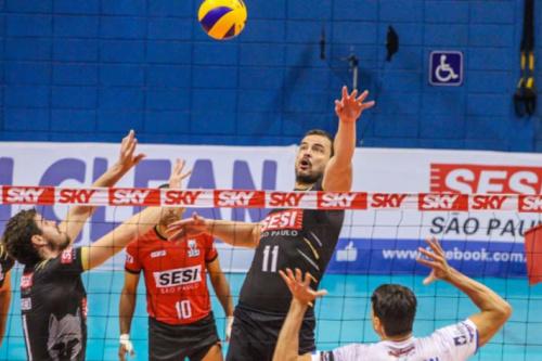 Em casa, Sesi-SP tenta seguir vivo nas semifinais da Superliga