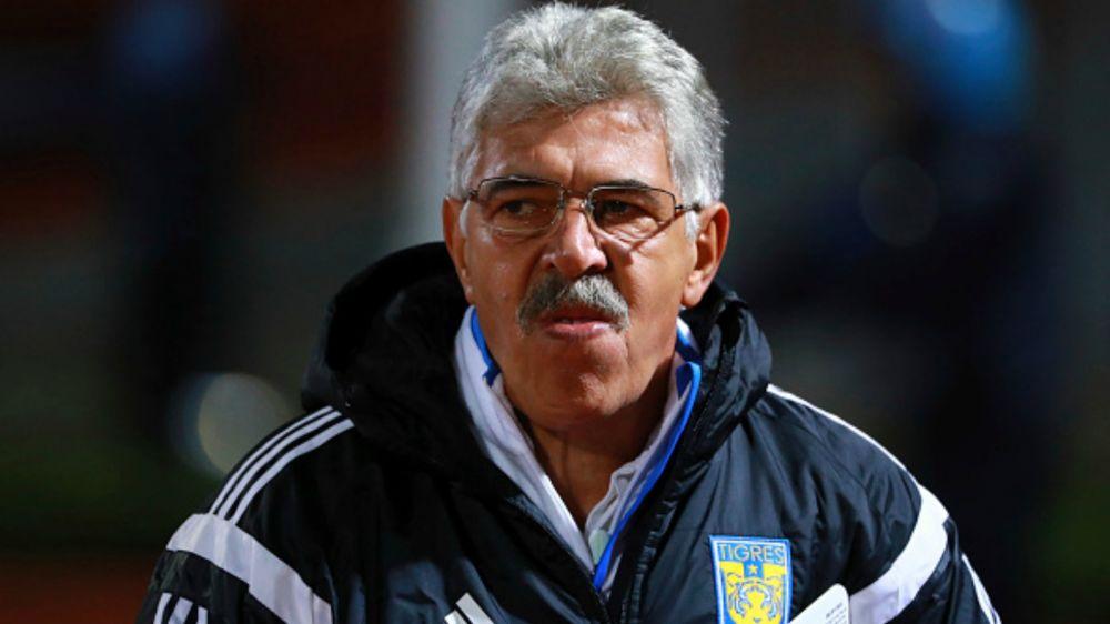 Tuca Ferretti renueva por tres años más con Tigres