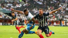 El uruguayo Christian Tabó anota para el empate de Puebla ante Monterrey