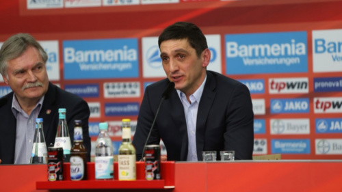 Cara nova! Bayer Leverkusen anuncia técnico pouco conhecido