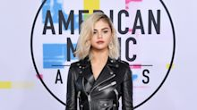 Selena Gomez Is Blonde at the AMAs