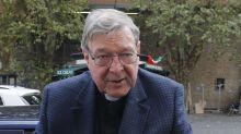 El papa recibe al cardenal Pell tras ser absuelto de delitos de pederastia