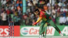 Abdur Razzak and family suffer injuries in car accident