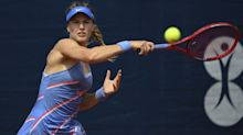 Bouchard roars back to upset Kuznetsova in Istanbul