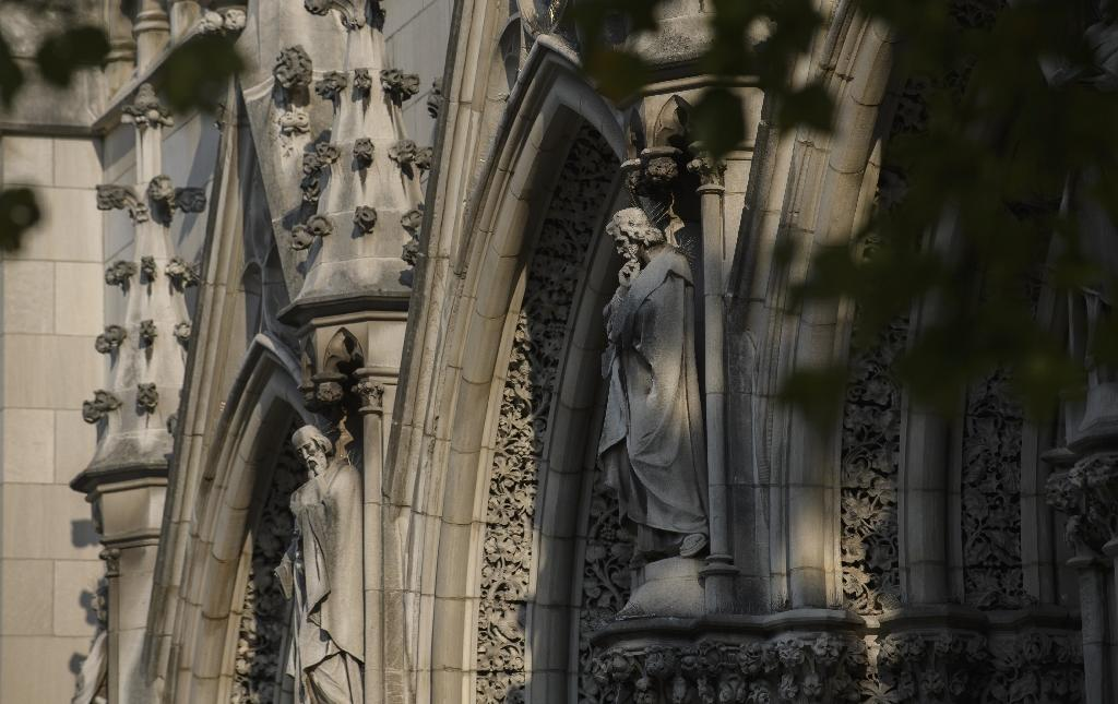 News of the settlement came as several US states, worried by a report in August detailing decades of sexual abuse involving more than 300 Catholic priests in Pennsylvania, are looking into historic abuse cases in their own jurisdictions