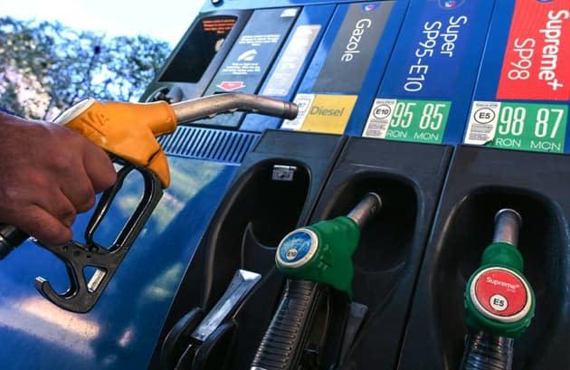 Hausse des prix de l'essence: ce que les candidats à la présidentielle envisagent