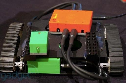 Hands-on with Atoms: a Kickstarter-funded 'modular robotic toy' (video)