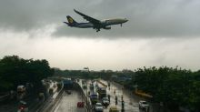 India, pilota sbaglia pressione cabina aereo, 30 passeggeri feriti