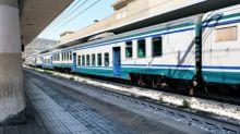 Uomo travolto da un convoglio ad Alassio: traffico ferroviario bloccato