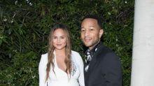 La hija mayor de John Legend y Chrissy Teigen ve a su nuevo hermanito como un 'rival'