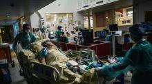 """Covid: à Lariboisière, les soignants s'attendent à une """"course de fond"""" en réa"""