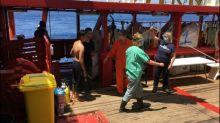 """Flüchtlinge sollen von """"Ocean Viking"""" auf italienisches Schiff gebracht werden"""