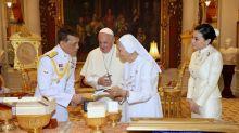 Prima de papa Francisco asume papel protagónico en Tailandia