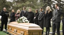 """""""Déjame salir, ¡está oscureciendo aquí!"""": la broma de un difunto que hizo reír a todos en su funeral"""